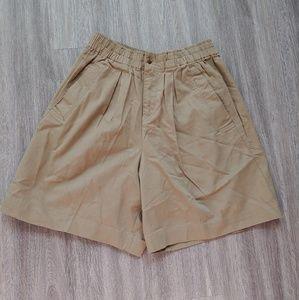 Patagonia Vintage High Waisted Khaki Medium Shorts